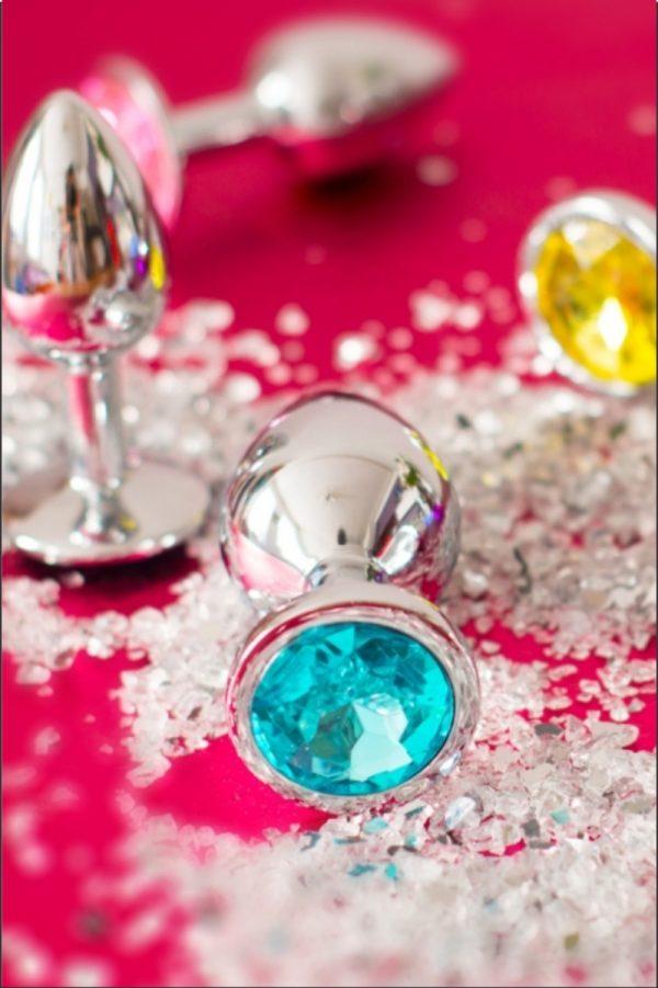 металические, силиконовые, с кристаллами